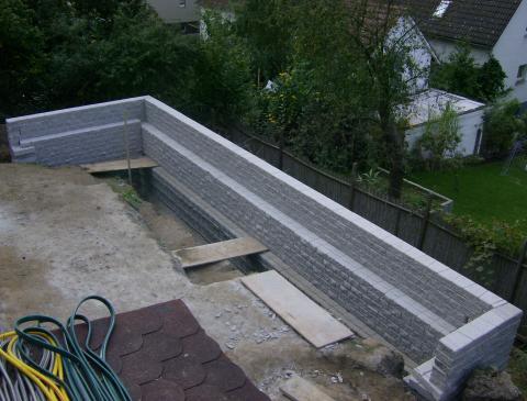 Schwerlastmauer fuer Pool _05_.JPG