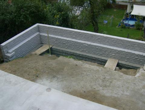 Schwerlastmauer fuer Pool _06_.JPG