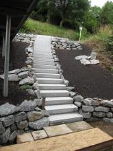 Granitblockstufen mit Wassserbausteinen _2_.JPG