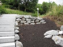 Granitblockstufen mit Wassserbausteinen _4_.JPG